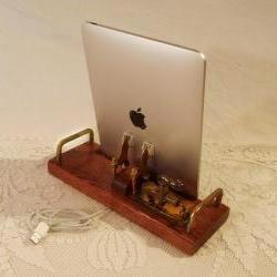 iPad - iPhone - iPod - Dock - Sync and Charging Station - Oak - EX Model Industrial Steampunk Style - Style V1 (Yes for the iPad )