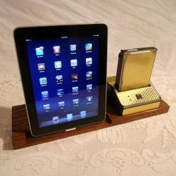 iPad - iPhone - iPod - Dock - Sync and Charging Station plus Hard Drive Bay- Oak - Style V1 Gold Engine Turned(Yes for the iPad )
