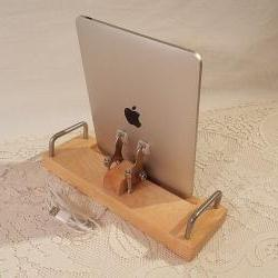 iPad - iPhone - iPod - Dock - Sync and Charging Station- Maple - EX Model - Style V1 iPad Charger Dock iPhone4